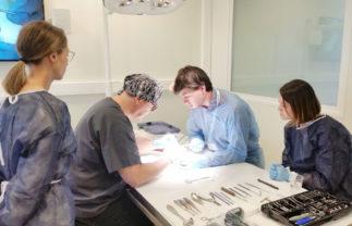 kerimedical formation training workshop trabelsi chirurgien surgeon orthopedie orthopaedics prothese prosthesis 1304