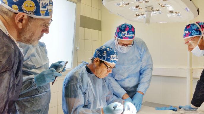 kerimedical workshop 13 april Handchirurgie Daumensattelgelenkprothese mit Duo-Mobiler-Pfanne Touch Orthopadie