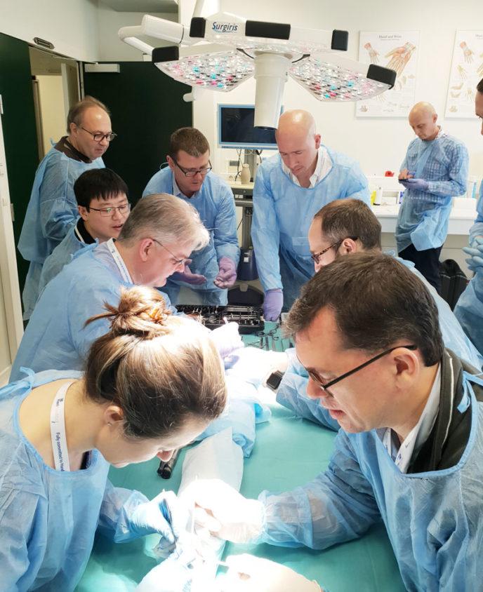 kerimedical training touch prosthesis thumb rhizarthrosis trapeziometacarpal dual mobility